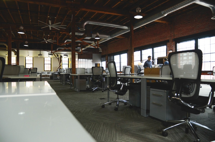 space-desk-workspace-coworking-large